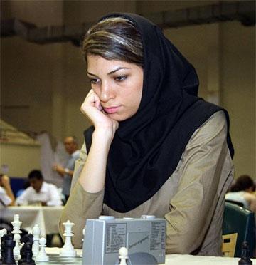 http://chessboard.ir/uploads/posts/2008-11/1227777022_AtousaPourkashiyan01.jpg