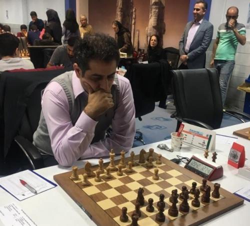 احسان قائم مقامی قهرمان چهارمین دوره مسابقات شطرنج بین المللی جام پایتخت
