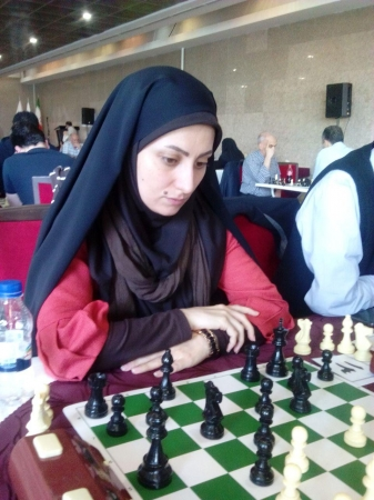 امین نصری و میلاد مظفر قهرمان مسابقات شطرنج کانون مهندسان تهران به مناسبت روز مهندس