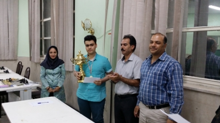 متین غفاری فر قهرمان مسابقه زیر ۱۸ سال البرز شد